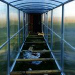 Закрытый навес-коридор к бане из поликарбоната
